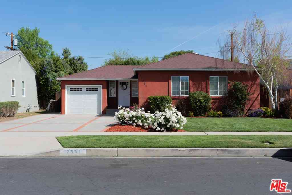 17951 Tiara Street, Encino, CA, 91316,