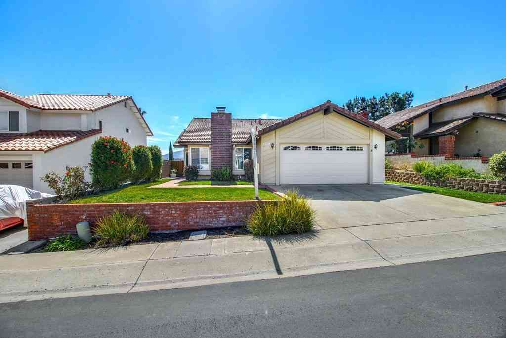 10527 Pine Grove St, Spring Valley, CA, 91978,