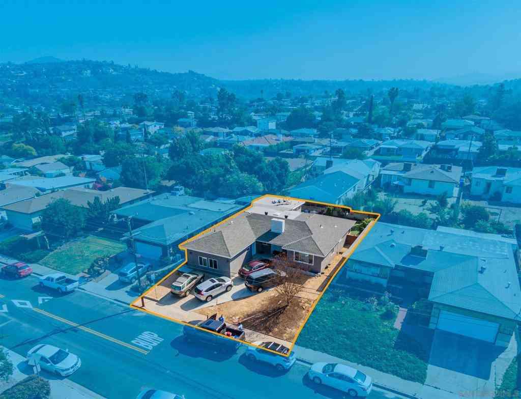 5211 E E Falls View Dr, San Diego, CA, 92115,
