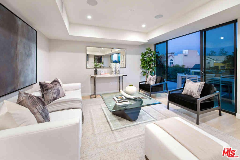 825 N Croft Avenue #PH 1, Los Angeles, CA, 90069,