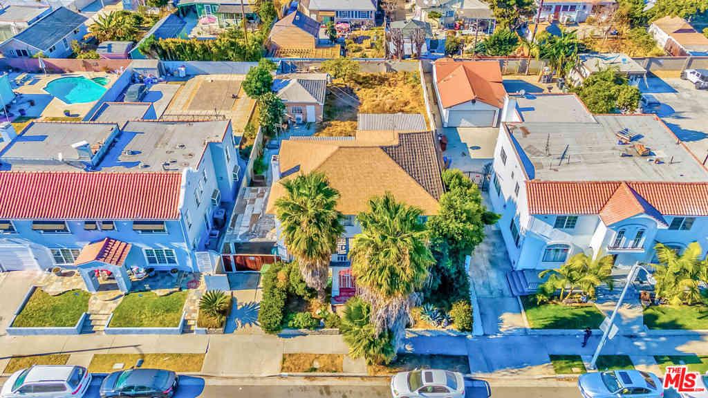 1051 Arlington Avenue, Los Angeles, CA, 90019,
