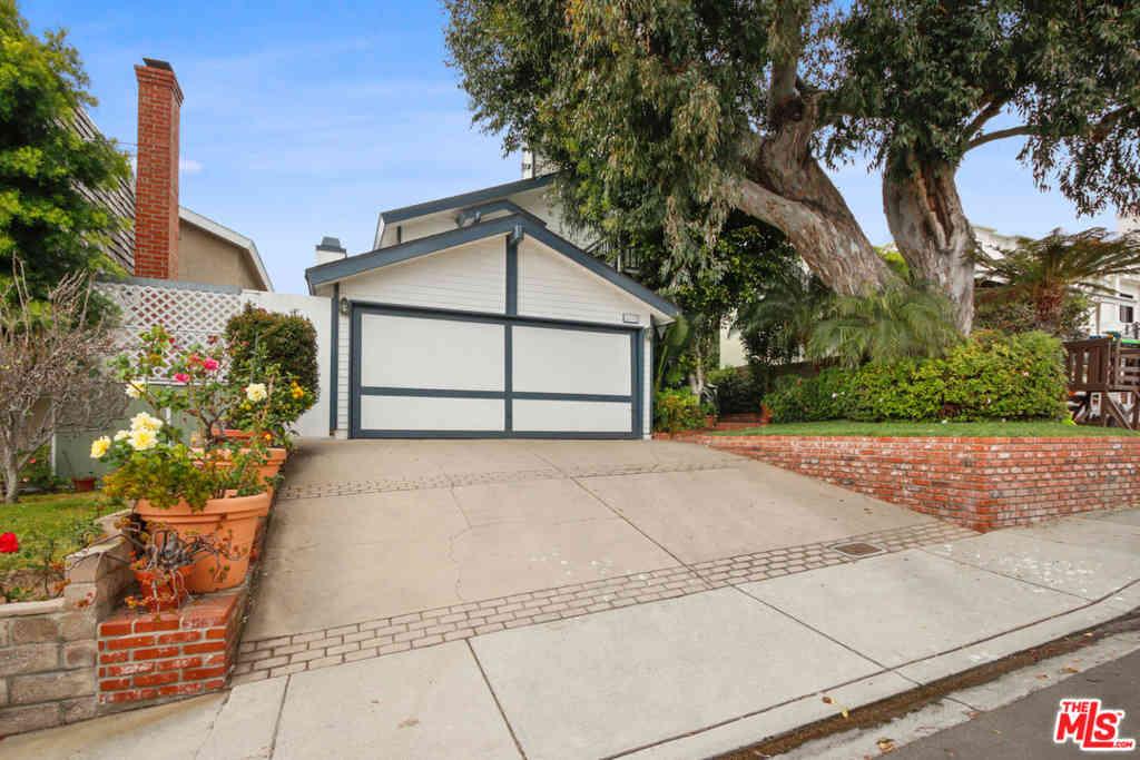 3105 N Poinsettia Avenue, Manhattan Beach, CA, 90266,