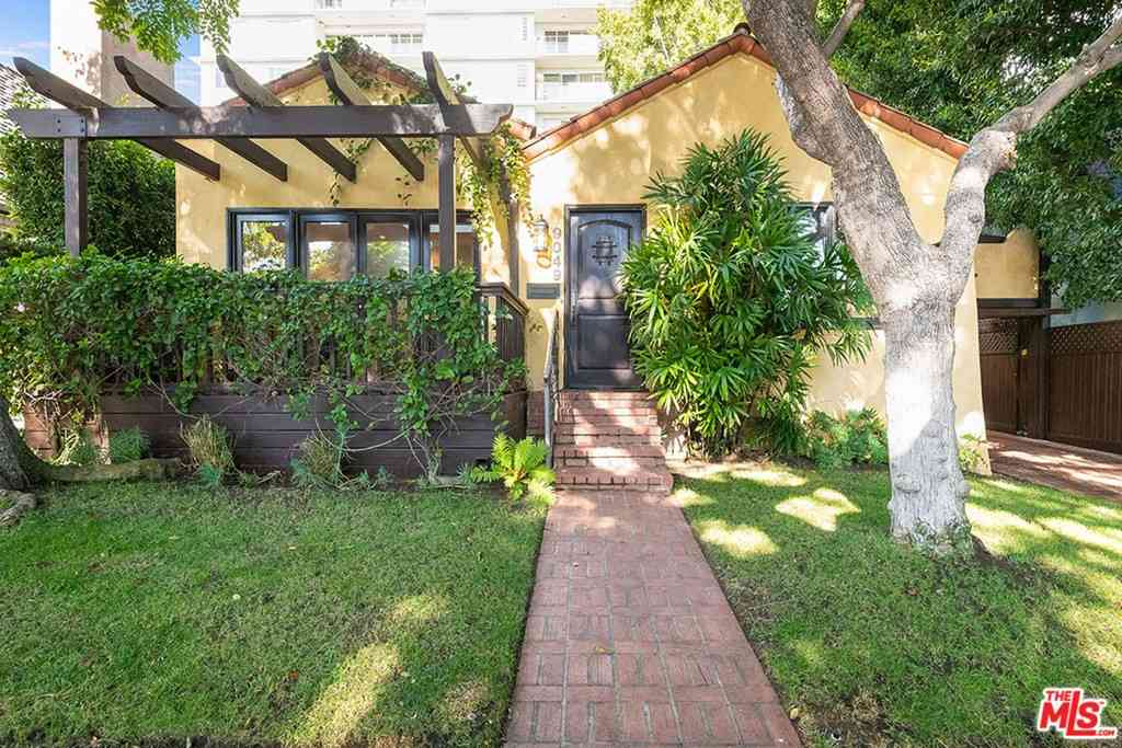 9049 Elevado Street, West Hollywood, CA, 90069,