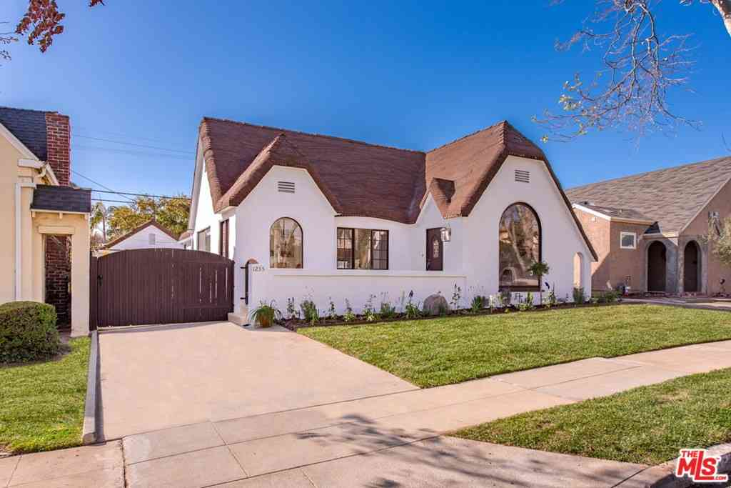 1255 Carmona Avenue, Los Angeles, CA, 90019,