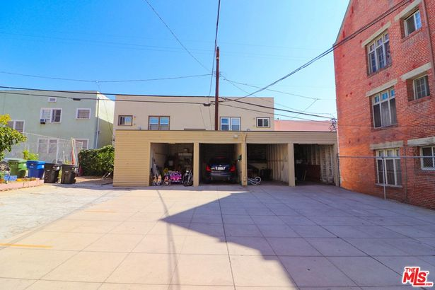 206 S Catalina Street