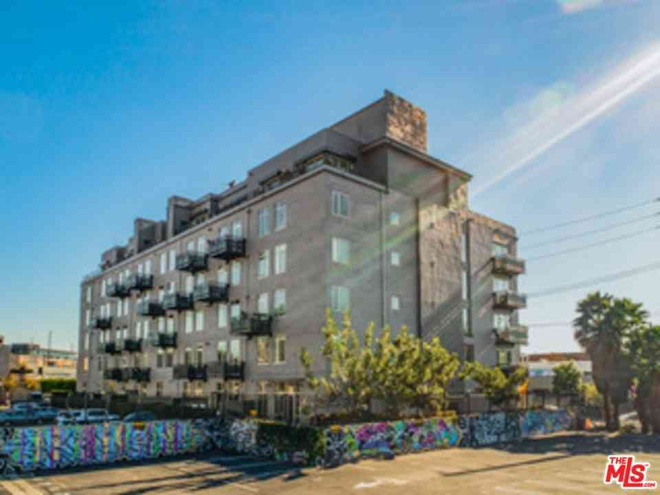 825 E 4Th Street #102, Los Angeles, CA, 90013,