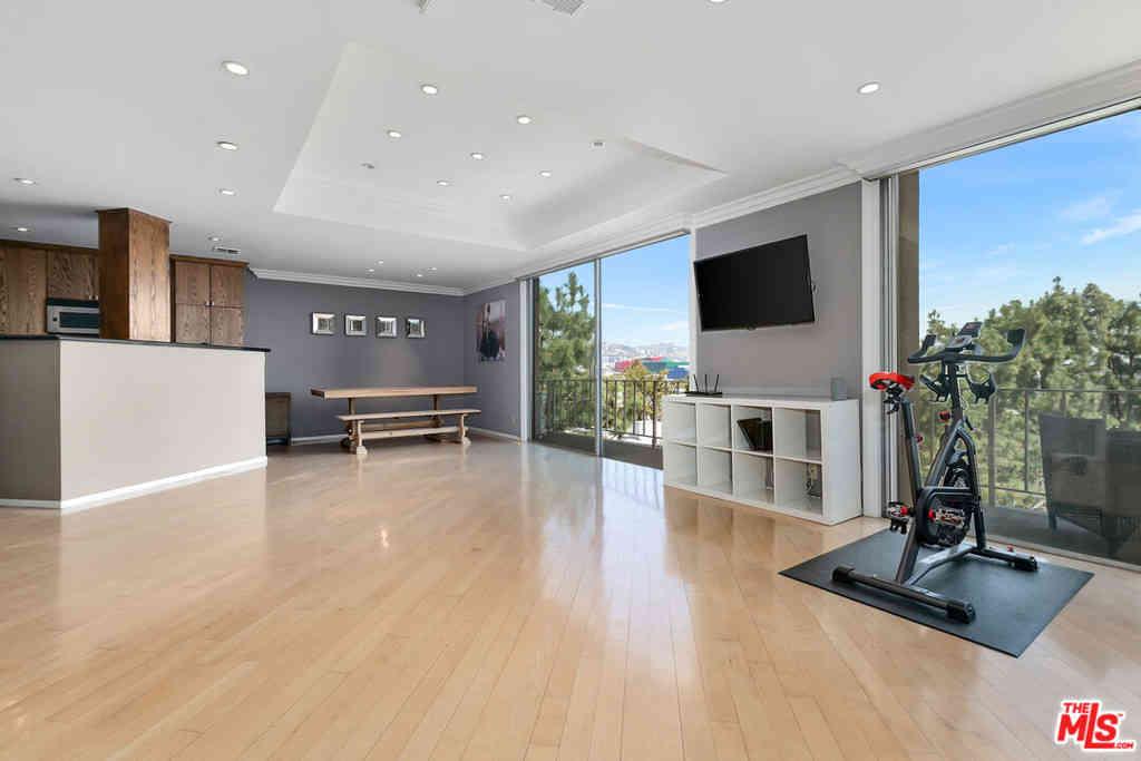 100 S Doheny Drive #619, Los Angeles, CA, 90048,