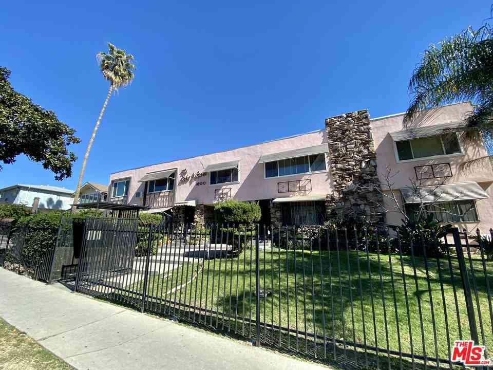 1600 N Hobart Boulevard #3, Los Angeles, CA, 90027,