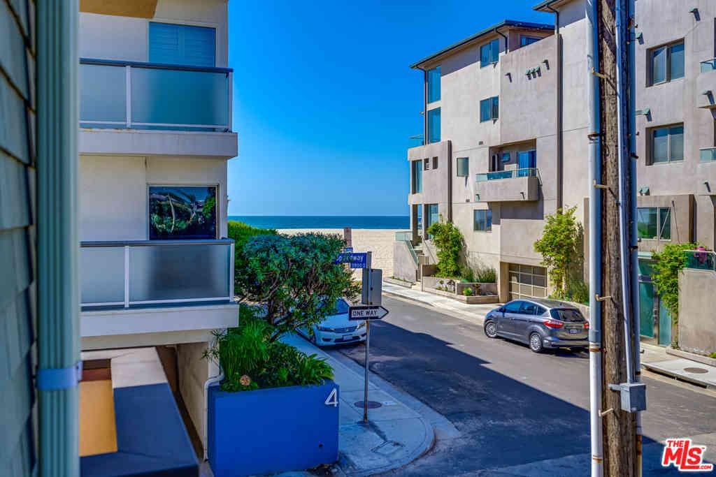 16 Quarterdeck Street #101, Marina Del Rey, CA, 90292,