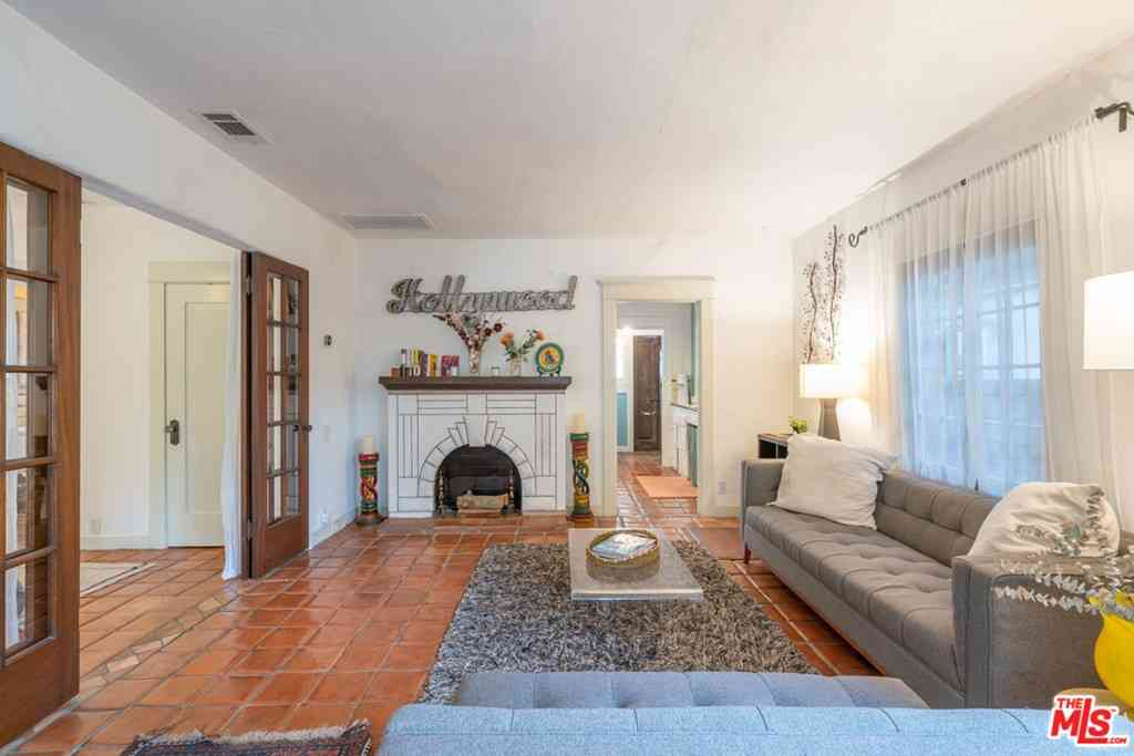 6127 GLEN HOLLY Street, Los Angeles, CA, 90068,