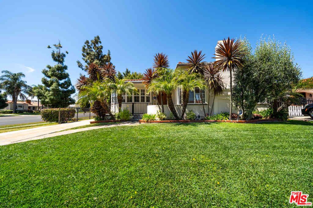 4025 S Bronson Avenue, Los Angeles, CA, 90008,