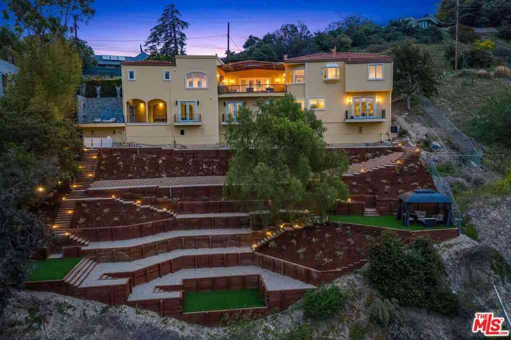 3601 Dixie Canyon Avenue, Sherman Oaks, CA, 91423,