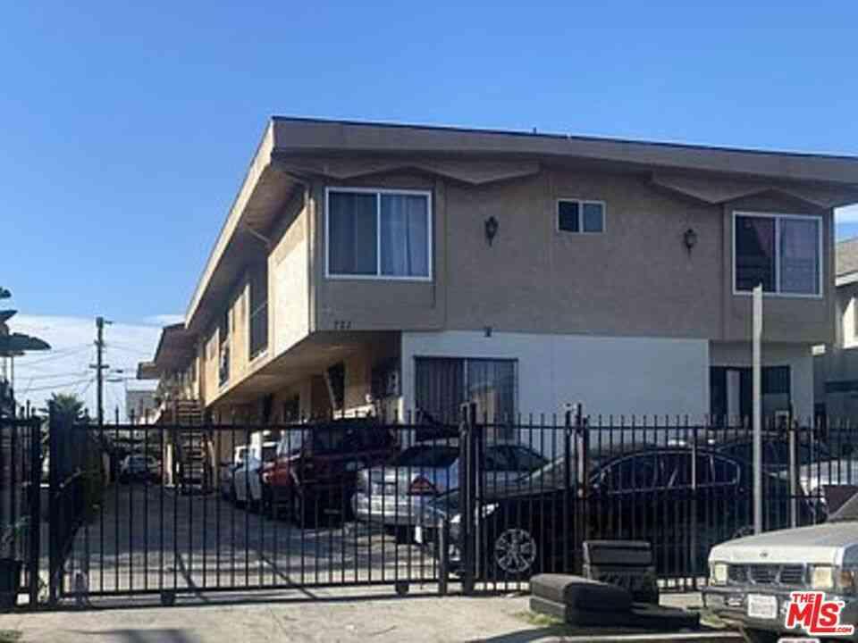 721 W 81St Street, Los Angeles, CA, 90044,