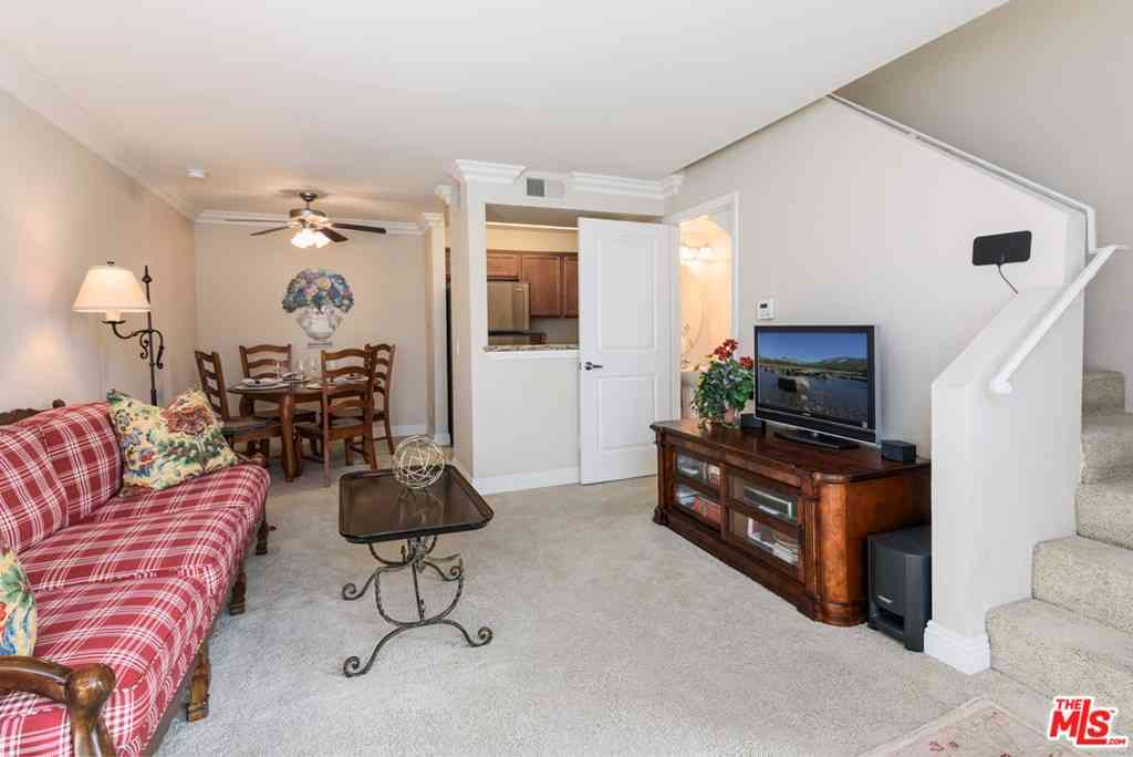 355 N Maple Street #203, Burbank, CA, 91505,
