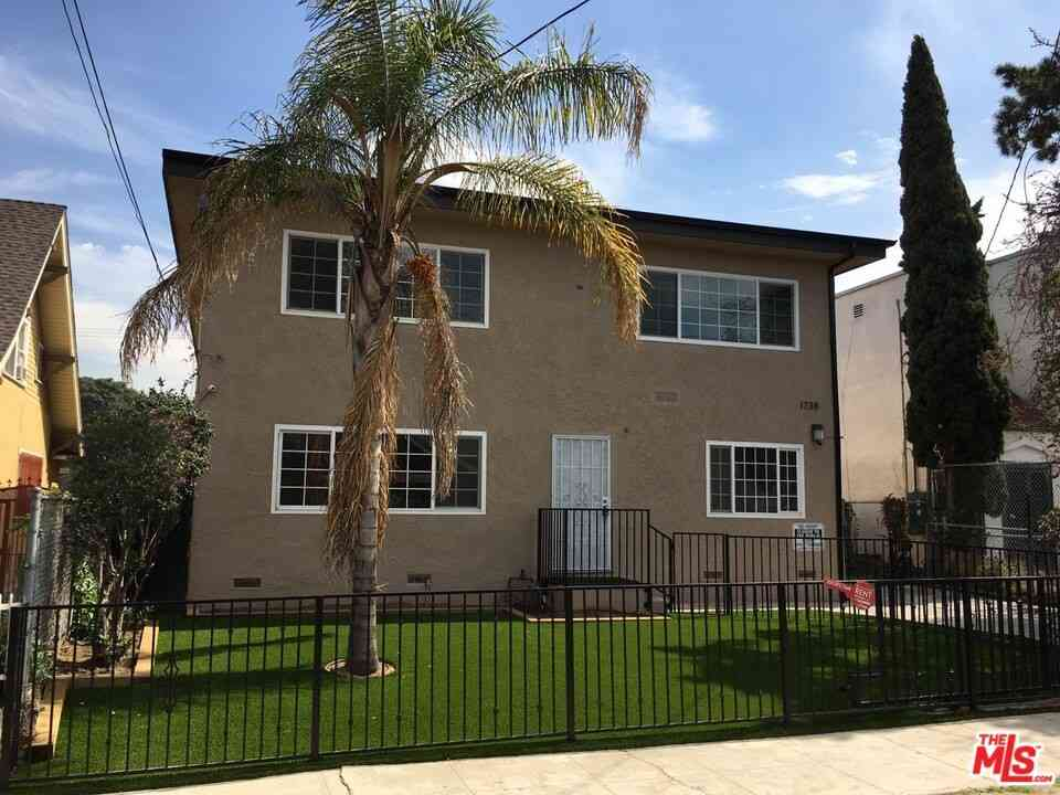 1738 Roosevelt Avenue, Los Angeles, CA, 90006,