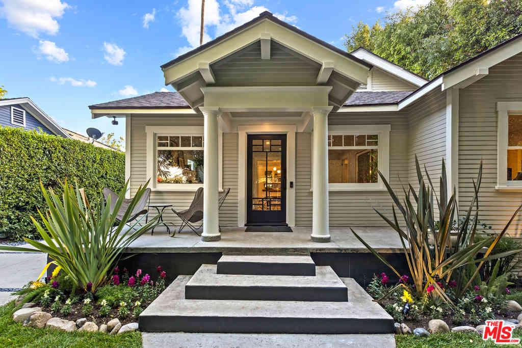 7030 De Longpre Avenue, Los Angeles, CA, 90028,
