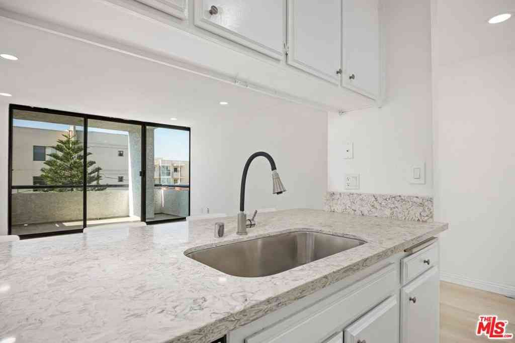 630 N GRAND Avenue #304, Los Angeles, CA, 90012,