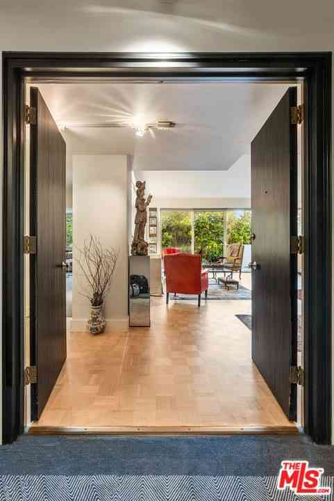818 N Doheny Drive #208, West Hollywood, CA, 90069,