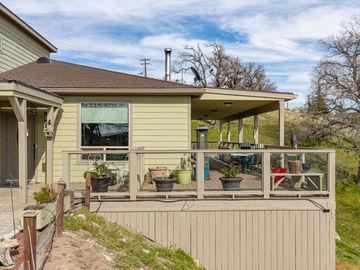 24808 Paramount Drive, Tehachapi, CA, 93561,