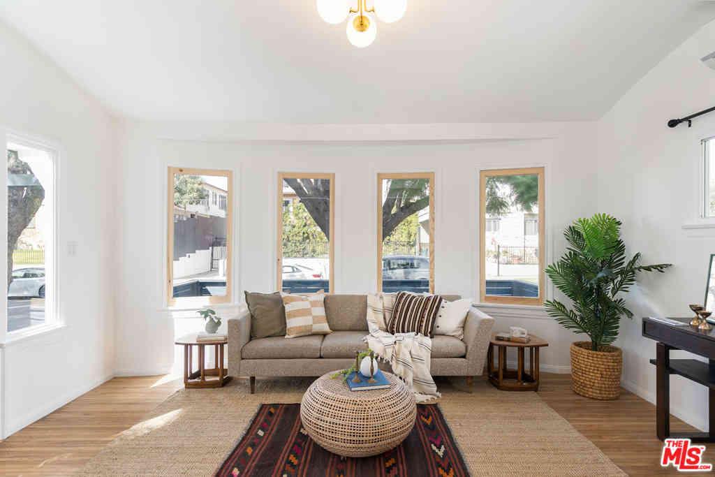 5846 Willoughby Avenue, Los Angeles, CA, 90038,