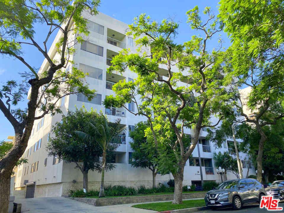 321 N Oakhurst Drive #301, Beverly Hills, CA, 90210,