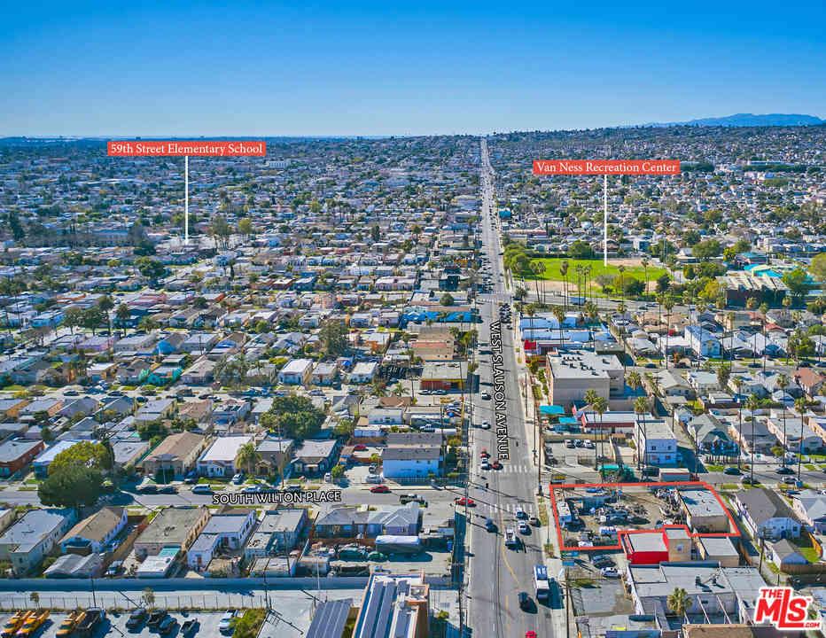 2027 W Slauson Avenue, Los Angeles, CA, 90047,