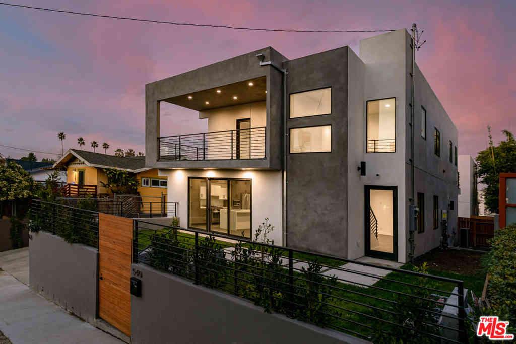 540 N COMMONWEALTH Avenue, Los Angeles, CA, 90004,