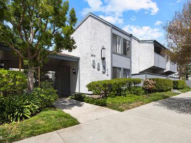 8801 Independence Avenue #16, Canoga Park, CA, 91304,