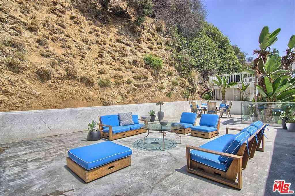 1577 VIEWSITE Drive, Los Angeles, CA, 90069,