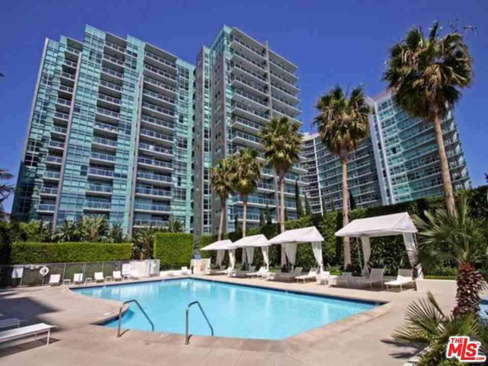 13700 Marina Pointe Drive #1526, Venice, CA, 90292,