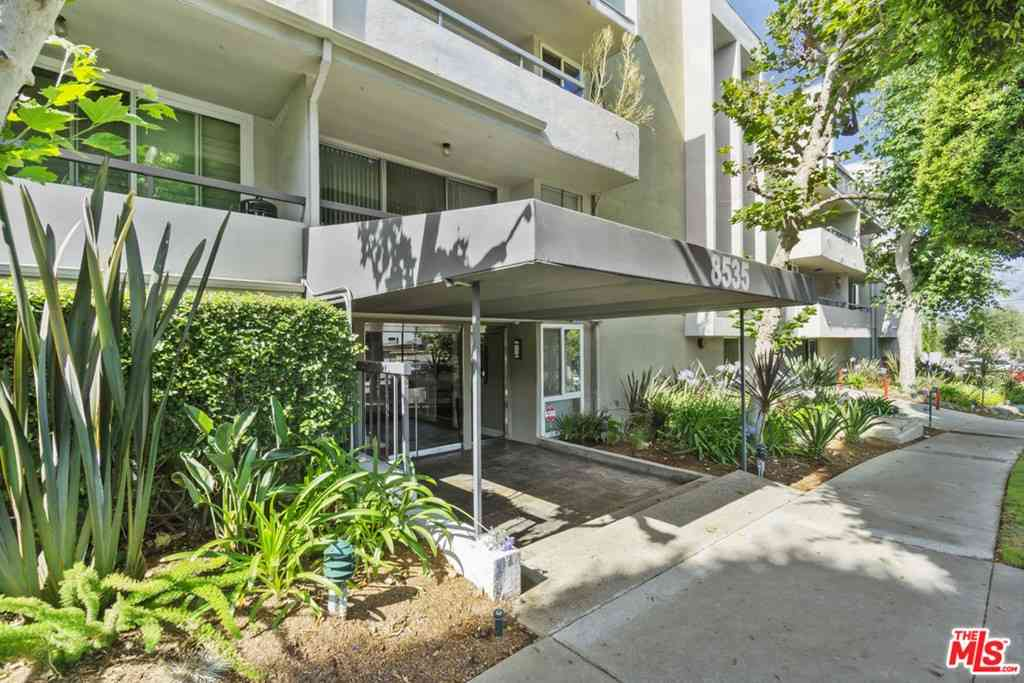 8535 W West Knoll Drive #303, West Hollywood, CA, 90069,