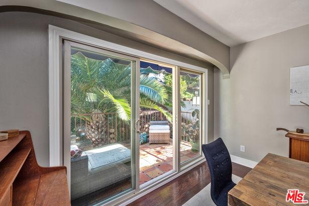 2146 Beachwood Terrace