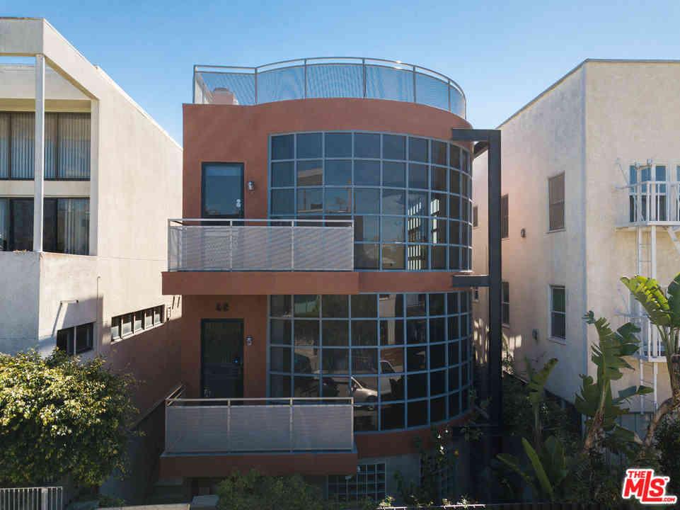 42 Brooks Avenue, Venice, CA, 90291,