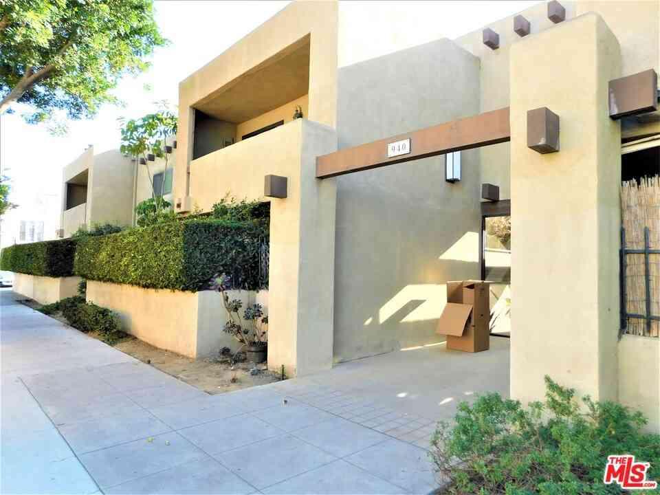 940 E 3Rd Street #24, Long Beach, CA, 90802,