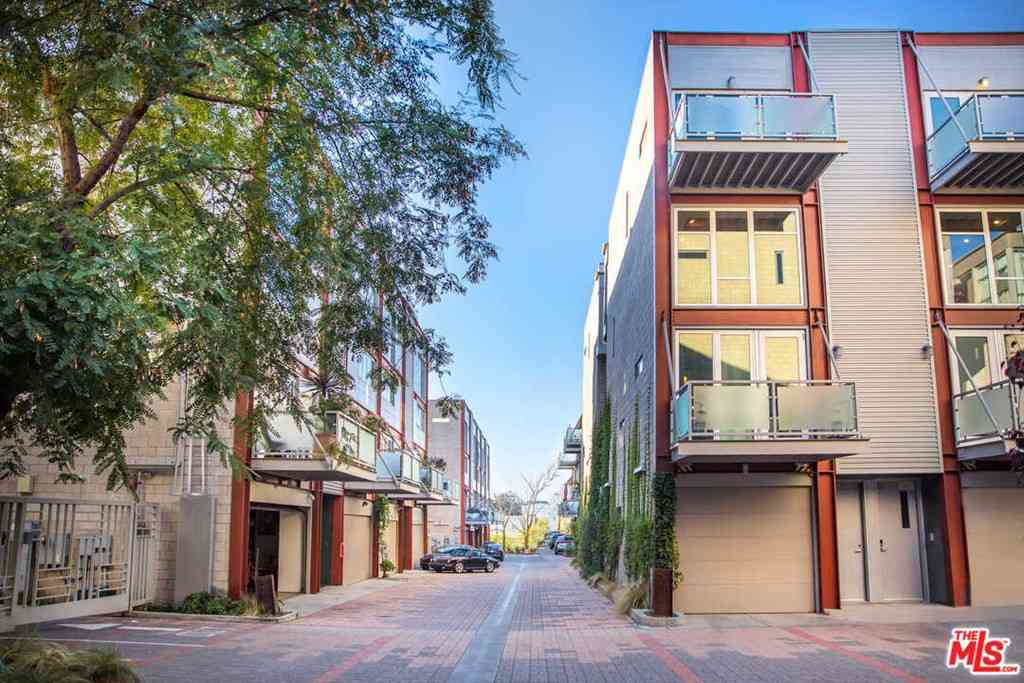 3450 Cahuenga Boulevard #605, Los Angeles, CA, 90068,