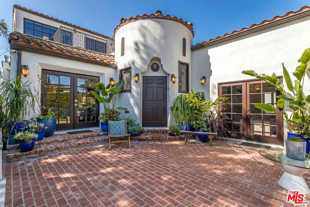 6402 Lindenhurst Avenue, Los Angeles, CA, 90048,