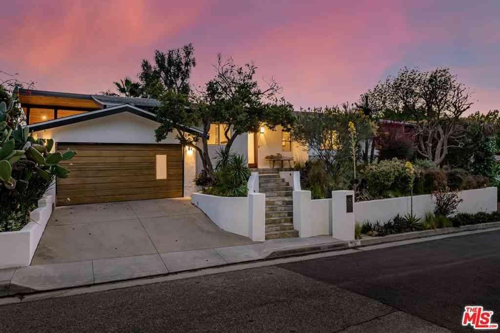 6570 Lakeridge Road, Los Angeles, CA, 90068,