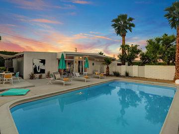3390 E Paseo Barbara, Palm Springs, CA, 92262,