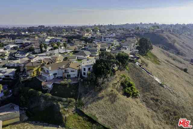 4223 Don Carlos Drive, Los Angeles, CA, 90008,