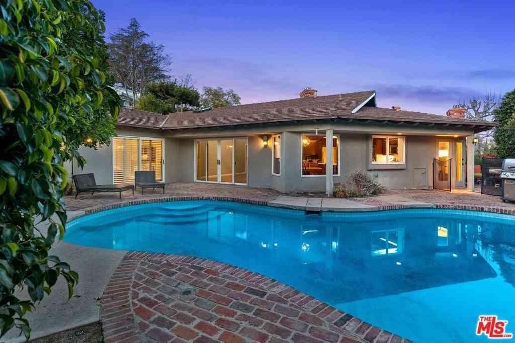 3007 Lakeridge Drive, Los Angeles, CA, 90068,