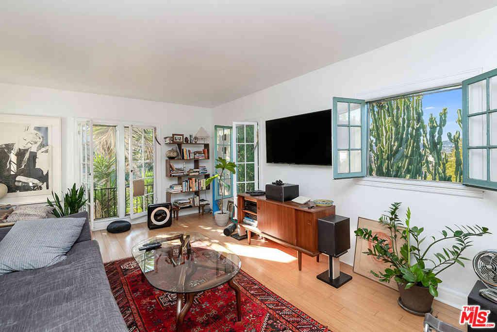 1568 Murray Circle, Los Angeles, CA, 90026,
