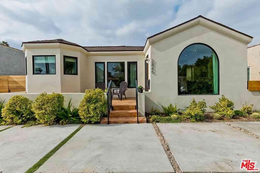 2845 Vineyard Avenue, Los Angeles, CA, 90016,