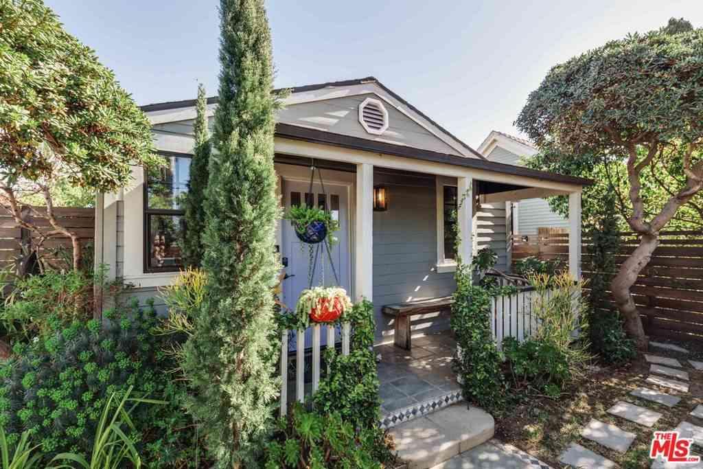 1016 Oakwood Avenue, Venice, CA, 90291,