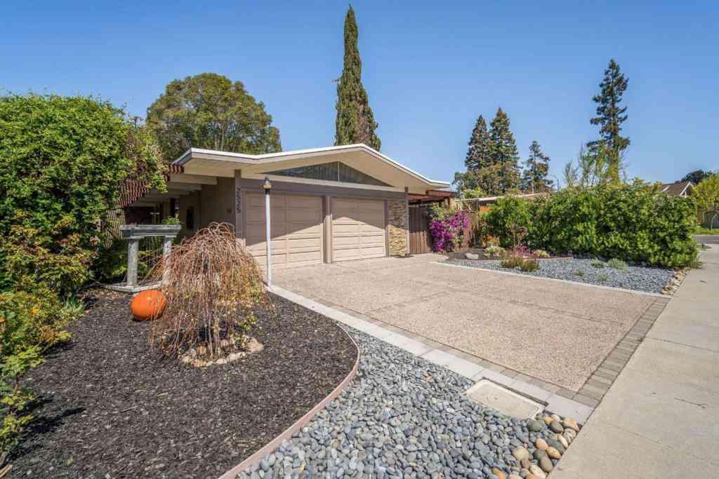 2525 Nedson Court, Mountain View, CA, 94043,
