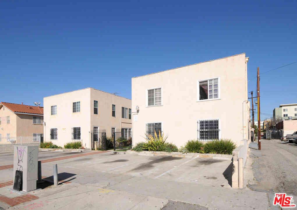 1015 Leighton Avenue, Los Angeles, CA, 90037,