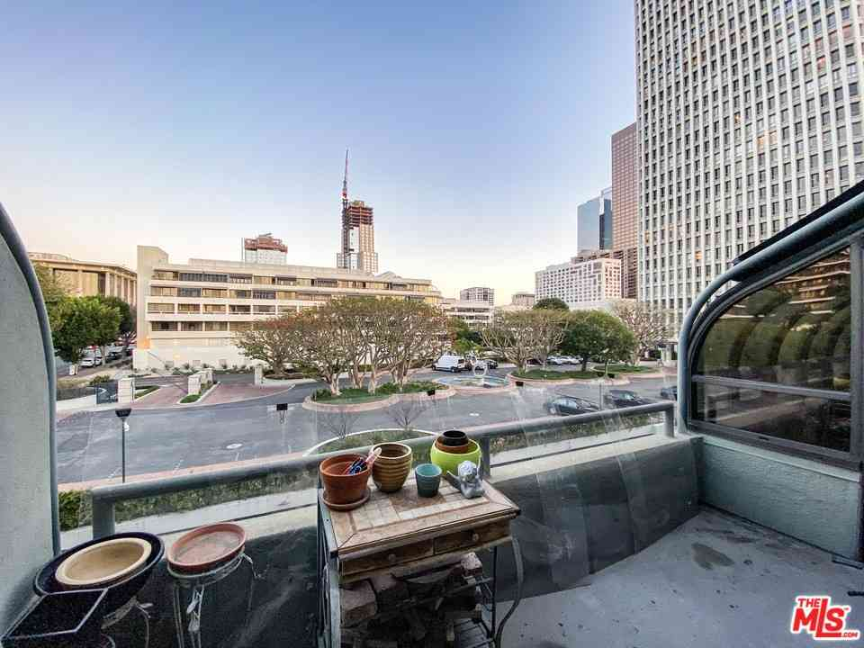 880 W 1St Street #707, Los Angeles, CA, 90012,