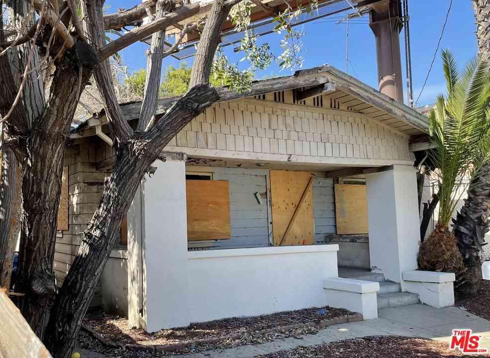 1627 Glendale Boulevard, Los Angeles, CA, 90026,