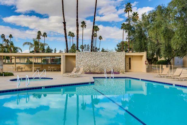 527 Desert Lakes Drive