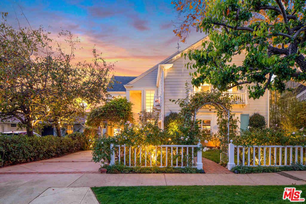 349 N Las Casas Avenue, Pacific Palisades, CA, 90272,