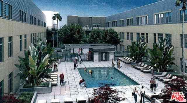 Swimming Pool, 114 S Harbor Boulevard, Anaheim, CA, 92805,
